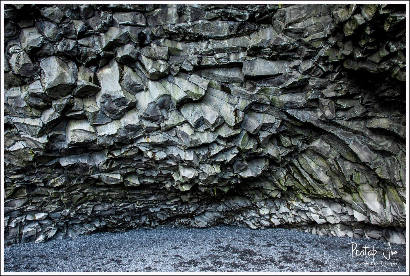 Basalt column cave in reynisfjara