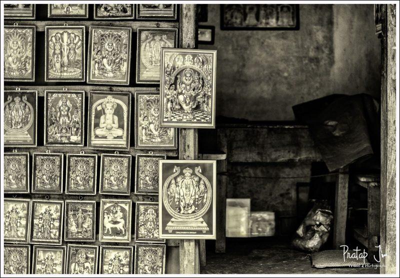 Market near Cheluvanarayana Swamy Temple