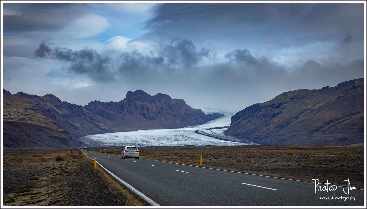 A view of Vatnajökull National Park from the ring road