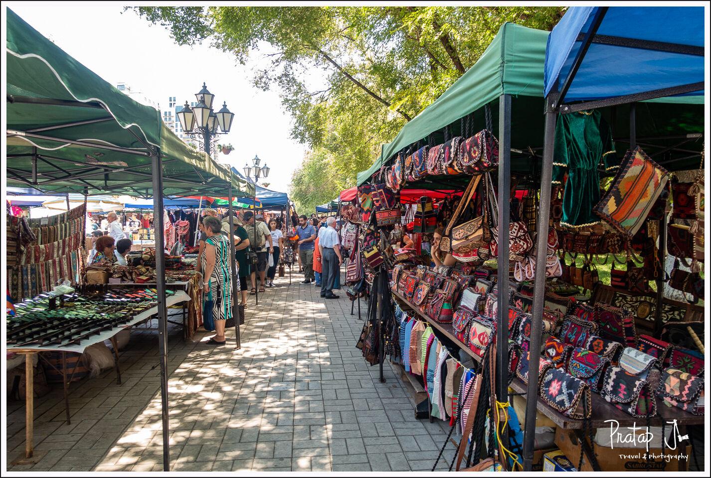 vernissage market armenia